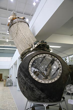 Descent module of Voskhod-2 from which Alexey Leonov pioneered extravehicular activity 2006-10 (C) Seiji Yoshimoto