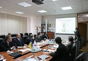 Top Management Meeting at National Space Agency of Ukraine, 2005-04 (C) Seiji Yoshimoto