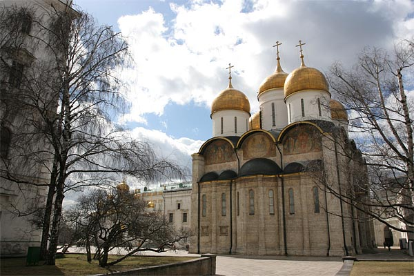 Cathedral of the Dormition, Kremlin, Moscow, 2004-05 (C) Seiji Yoshimoto