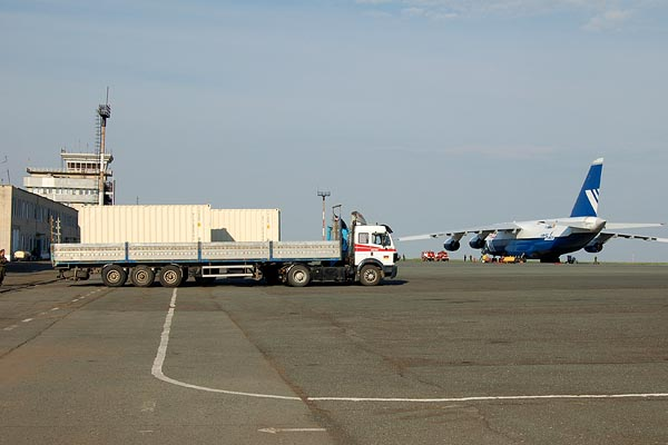 Satellite Containers transported by An124 to Orsk International Airport and off-loaded on the Truck 2006 (C) Kosmotras