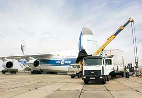Container Off-loading at Yubileiry Airfield, Baikonur, 2005-06 (C) Kosmotra